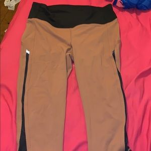 LULULEMON CROP LEGGINGS NWOT